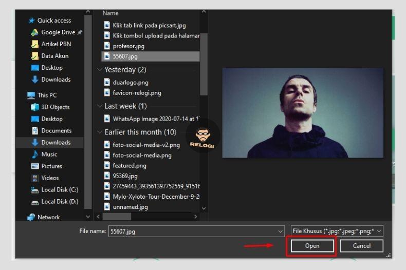 Open foto dari komputer